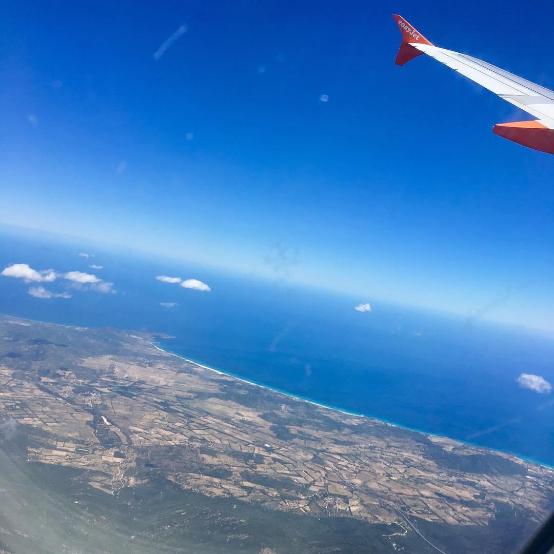 ber de Wolken flight clouds sea holiday coastline