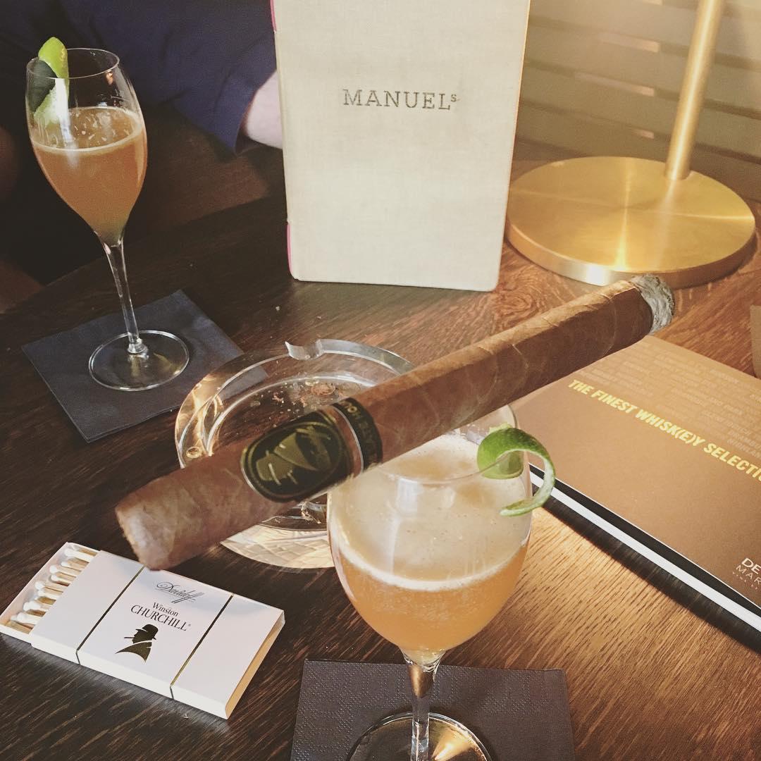 Was neues probieren Churchill TheLateHour Cigar tasting davidoff